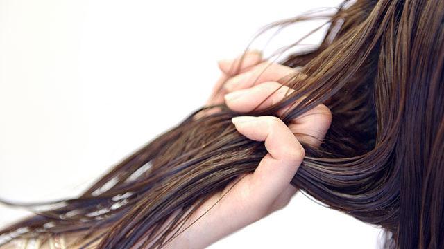 きしんだ髪